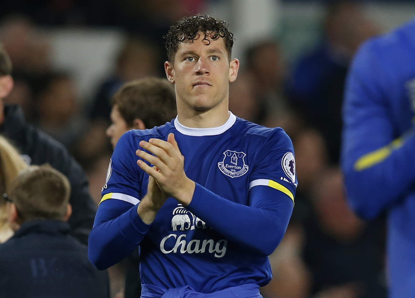 online retailer 55452 c708b Chelsea transfer news: Everton midfielder Ross Barkley ...