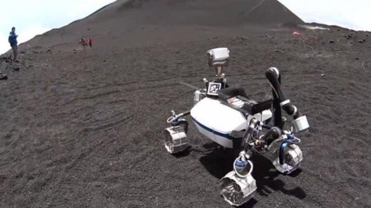 Scientists test robots on Etna moonscape ahead of next lunar mission