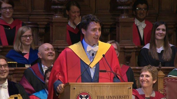 Justin Trudeau surprises Scottish graduates with impeccable local accent