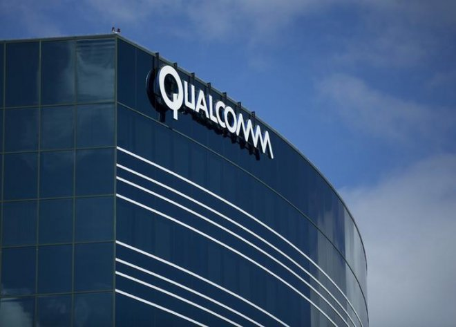 qualcomm fires back at apple supporters