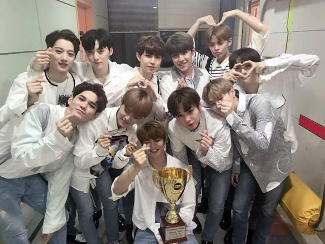 Wanna one tops music charts wins first tv music show trophy stopboris Choice Image