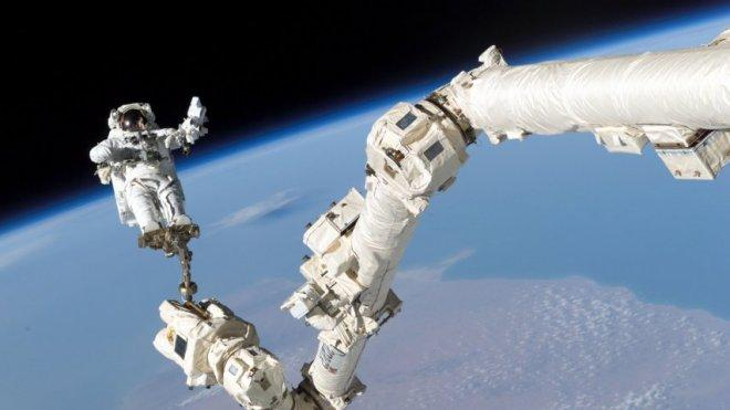 Astonishing Nasa footage shows what its like to go on a spacewalk