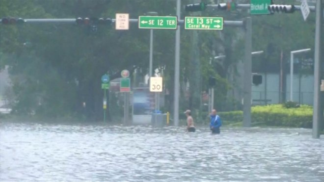 Hurricane Irma leaves behind flooding and destruction in Florida