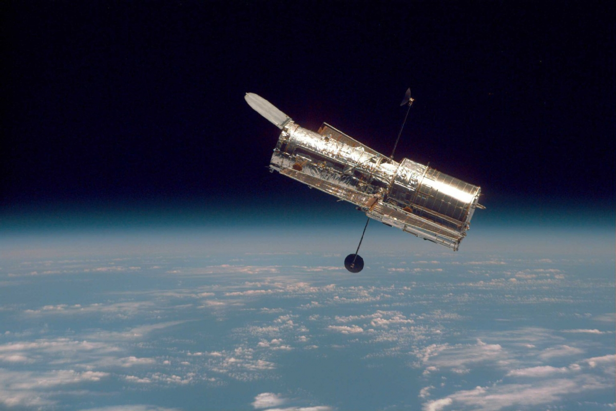The 30th Anniversary of Hubble Space Telescope Celebrated with Very Special Frames