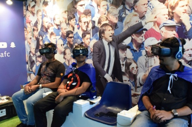 Virtual Reality tour inside Chelsea's stall