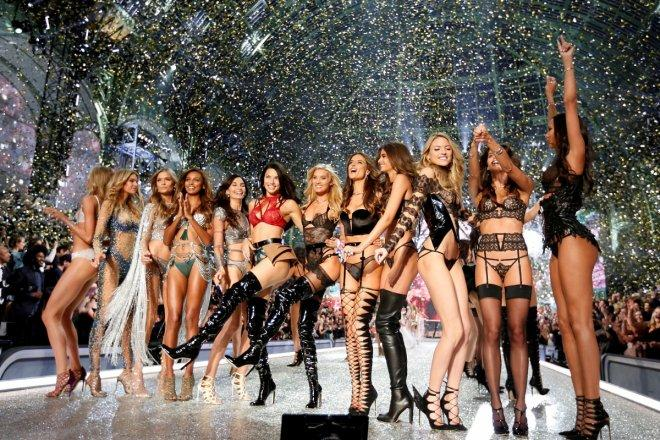 Models celebrate at the end of the 2016 Victoria's Secret Fashion Show