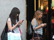 smartphone-addiction-the-substitute-phone