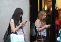 smartphone-addiction-the-substitute-phone