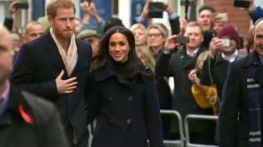Meghan Markle meets adoring fans on first official royal engagement
