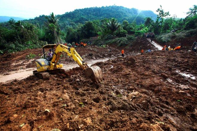 Indonesia landslides and flash flood: Death toll rises to 47, people still missing