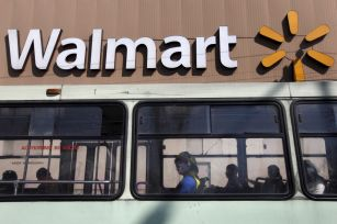 walmart to sell chinese e commerce business to JD.com