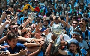 Gremio fans celebrate after winning the Copa Libertadores final
