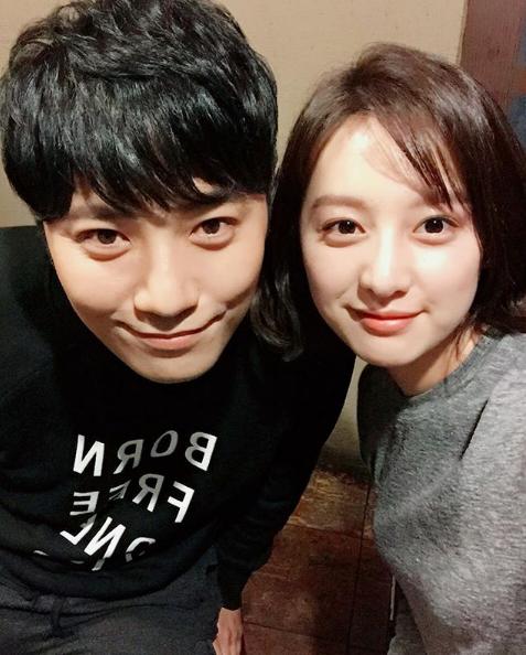 Kim Ji Won, Jin Goo