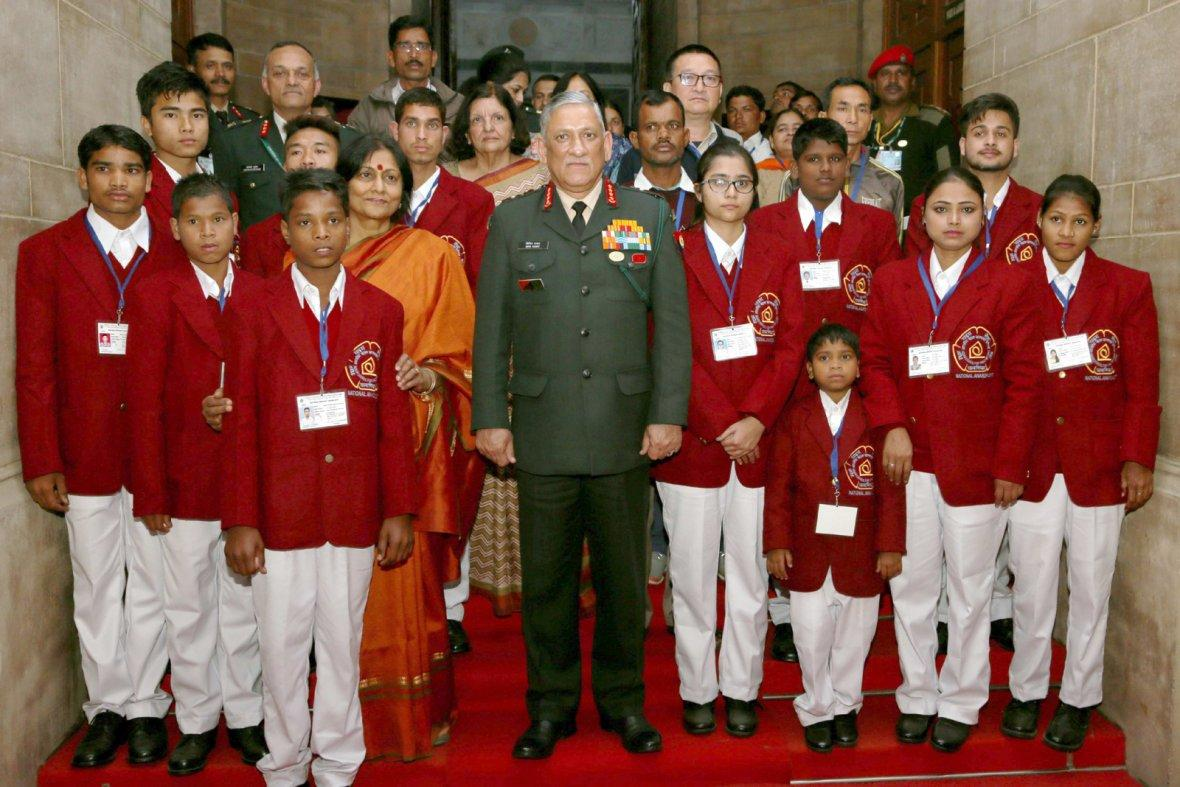 Chief of Army Staff, General Bipin Rawat with the children winning the National Bravery Awards for 2017