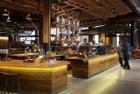 Starbucks tests cashless payment