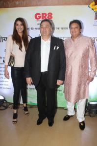 Actors Anushka Ranjan, Rishi Kapoor and Shashi Ranjan