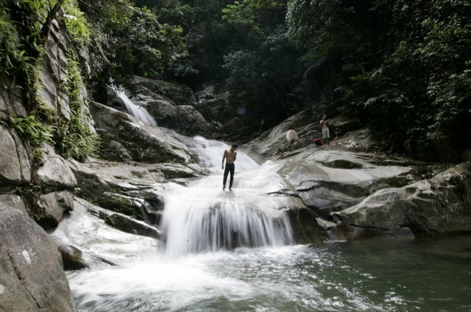 Singaporean man dies after falling down Kulai waterfall