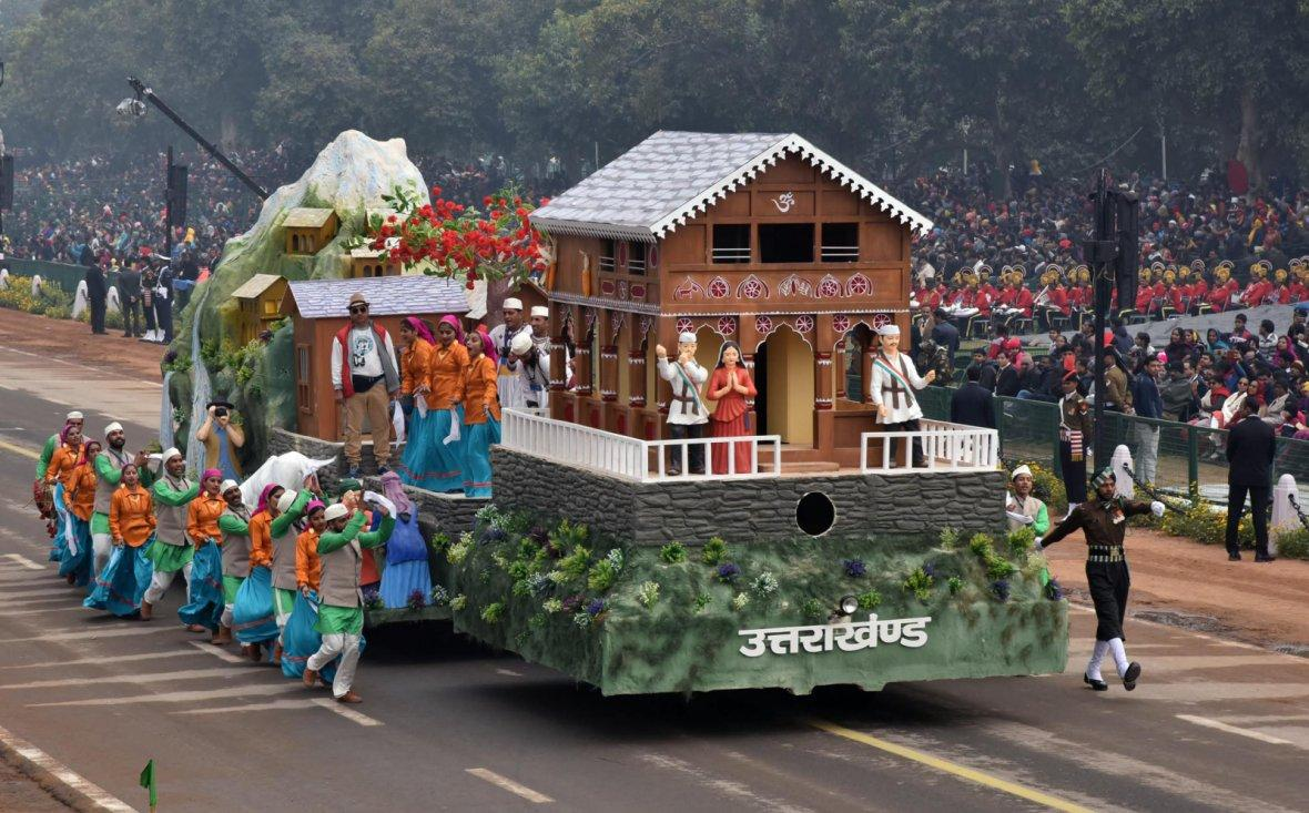 The tableau of Uttarakhand passes through the Rajpath during the full dress rehearsal for the Republic Day Parade-2018,