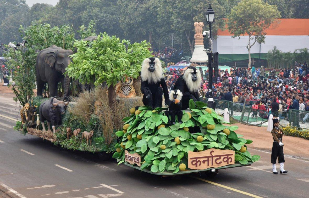 The tableau of Karnataka passes through the Rajpath during the full dress rehearsal for the Republic Day Parade-2018