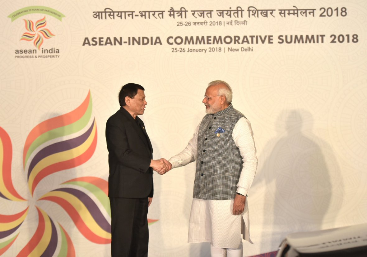 Prime Minister Narendra Modi with the President of Philippines, Mr. Rodrigo Duterte