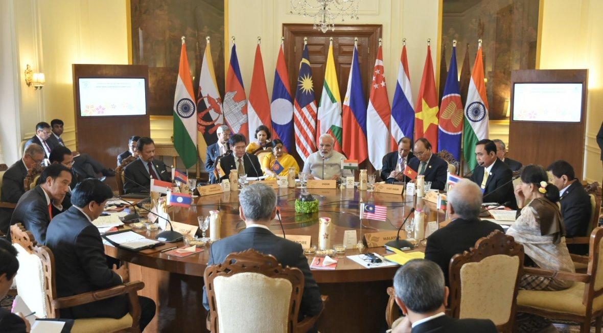 Prime Minister  Narendra Modi in a retreat meeting with the ASEAN Heads of State/Governments, at Rashtrapati Bhavan