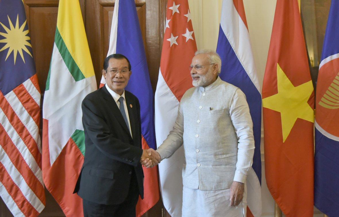 Prime Minister Narendra Modi with the Prime Minister of the Kingdom of Cambodia, Mr. Hun Sen, at Rashtrapati Bhavan