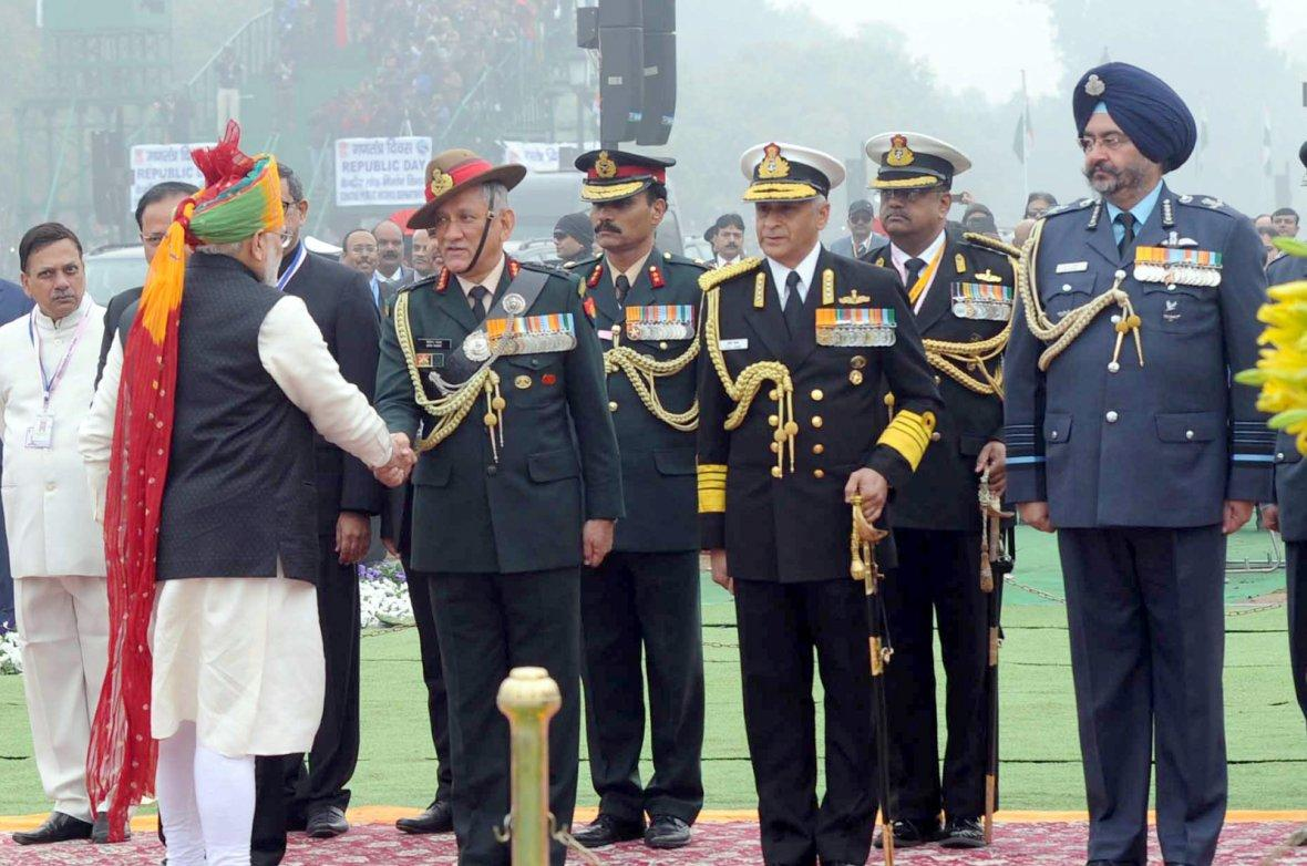Prime Minister Narendra Modi being received by the tri-Service Chiefs at the 69th Republic Day Celebrations, at Rajpath,