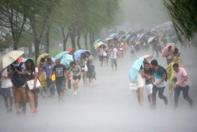 Taiwan on high alert as Typhoon Nepartak approaches the island