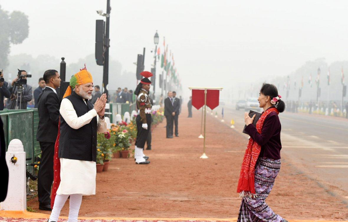 Prime Minister Narendra Modi receiving the State Counsellor of Myanmar, Ms. Aung San Suu Kyi, at Rajpath, on the occasion of the 69th Republic Day Parade 2018