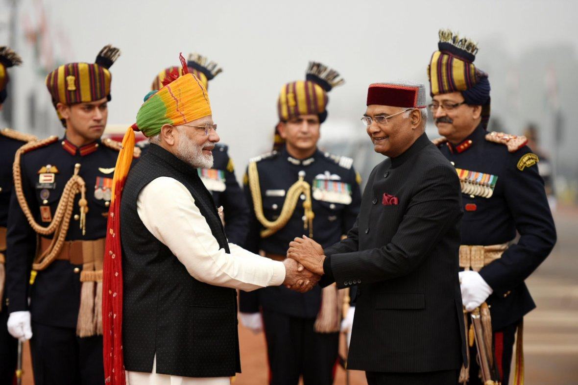 Prime Minister Narendra Modi receiving the President, Shri Ram Nath Kovind, at Rajpath, on the occasion of the 69th Republic Day Parade 2018