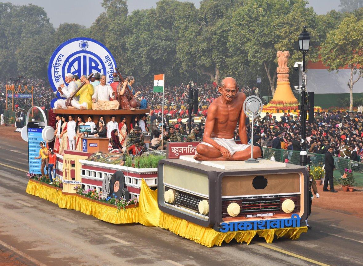 Tableau of Akashvani passes through the Rajpath