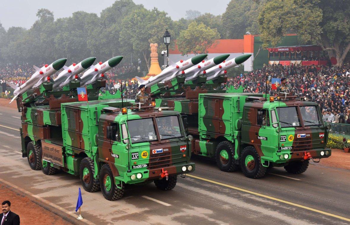 Akash Army Launcher passes through the Rajpath