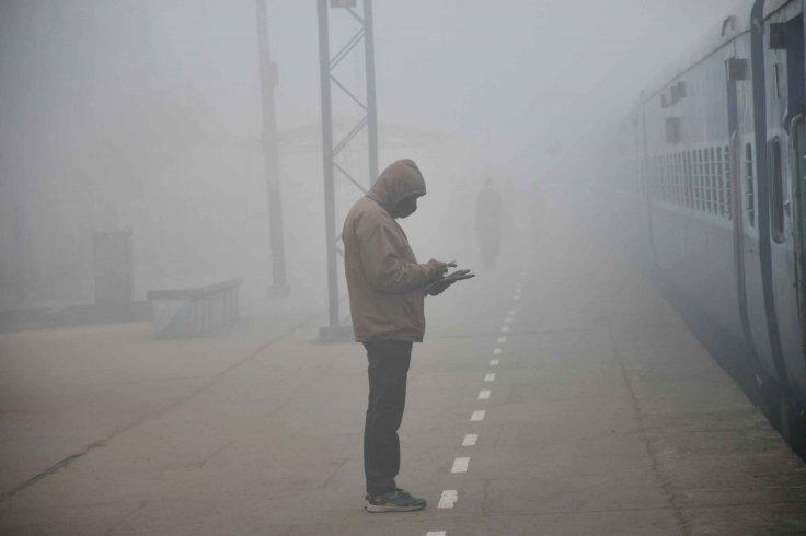 Delhi foggy Monday morning