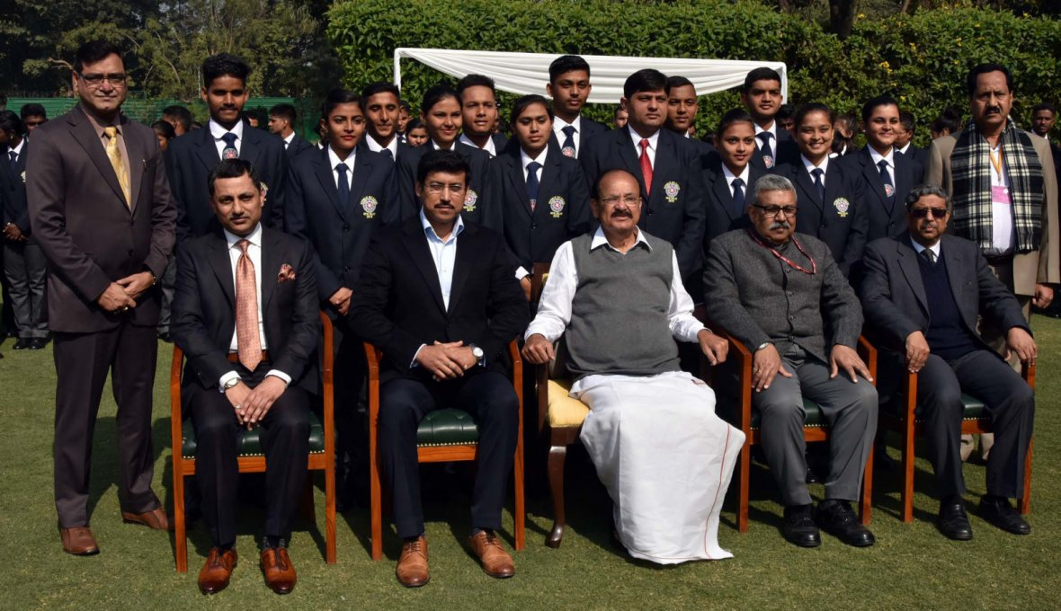 Vice President  M. Venkaiah Naidu with the National Service Scheme (NSS) Volunteers who participated in Republic Day Parade 2018