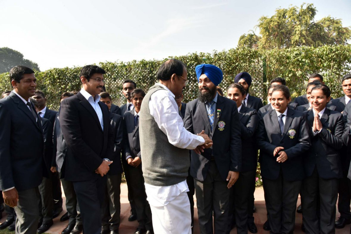 Vice President M. Venkaiah Naidu meeting the National Service Scheme (NSS) Volunteers who participated in Republic Day Parade 2018