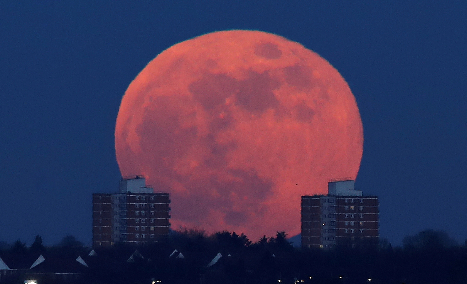 Full Snow Moon: First 'supermoon' of the decade will rise this weekend