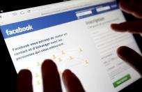 Facebook population drops
