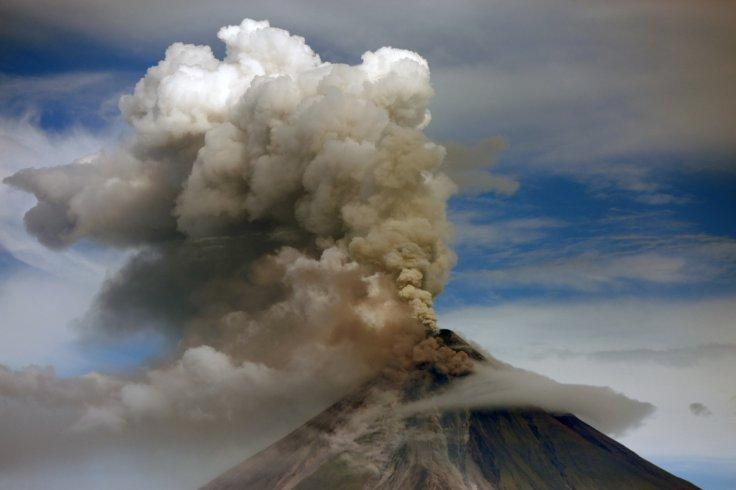 Mayon volcano erupts in Albay Province