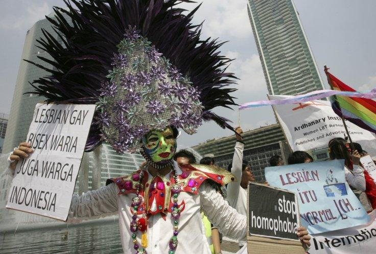 Indonesia LGBT clampdown: 'No gay emoticons on messaging apps'