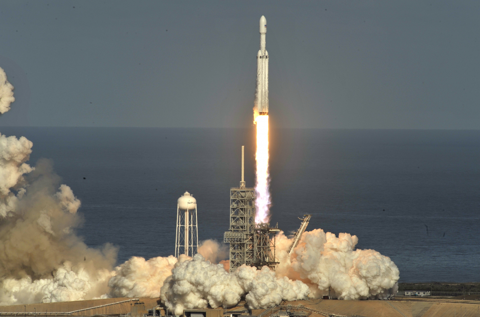 SpaceX To Transport Private Astronauts To ISS For Axiom Next Year