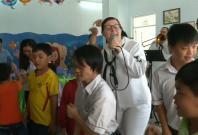 us-sailors-visit-victims-of-agent-orange-as-part-of-vietnam-visit