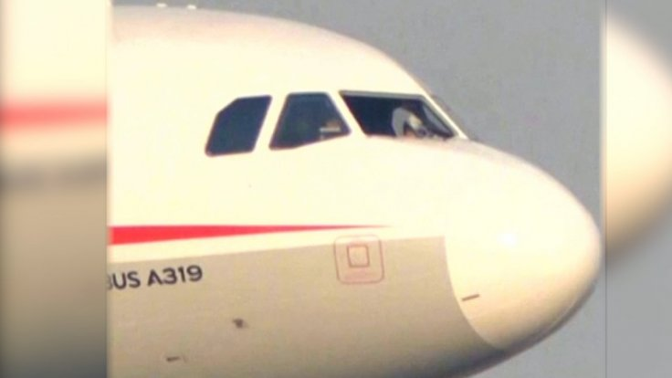 chinese-plane-makes-emergency-landing-after-cockpit-windshield-breaks-off