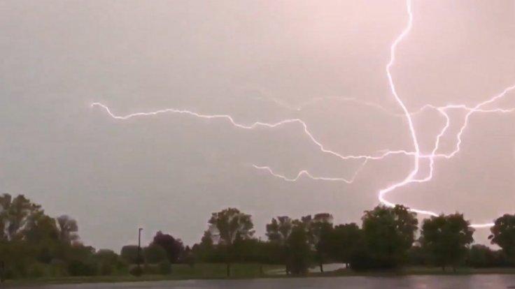 lightning-strikes-seen-in-pennsylvania-during-severe-storm