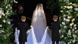 watch-meghan-markle-reveals-her-stunning-wedding-dress