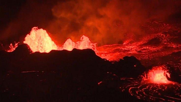 watch-stunning-aerial-footage-ongoing-eruption-at-kilauea-volcano-overnight