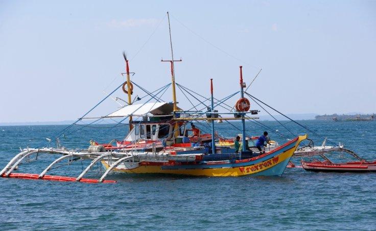 Avoid fishing in disputed area, Philippines tells fishermen
