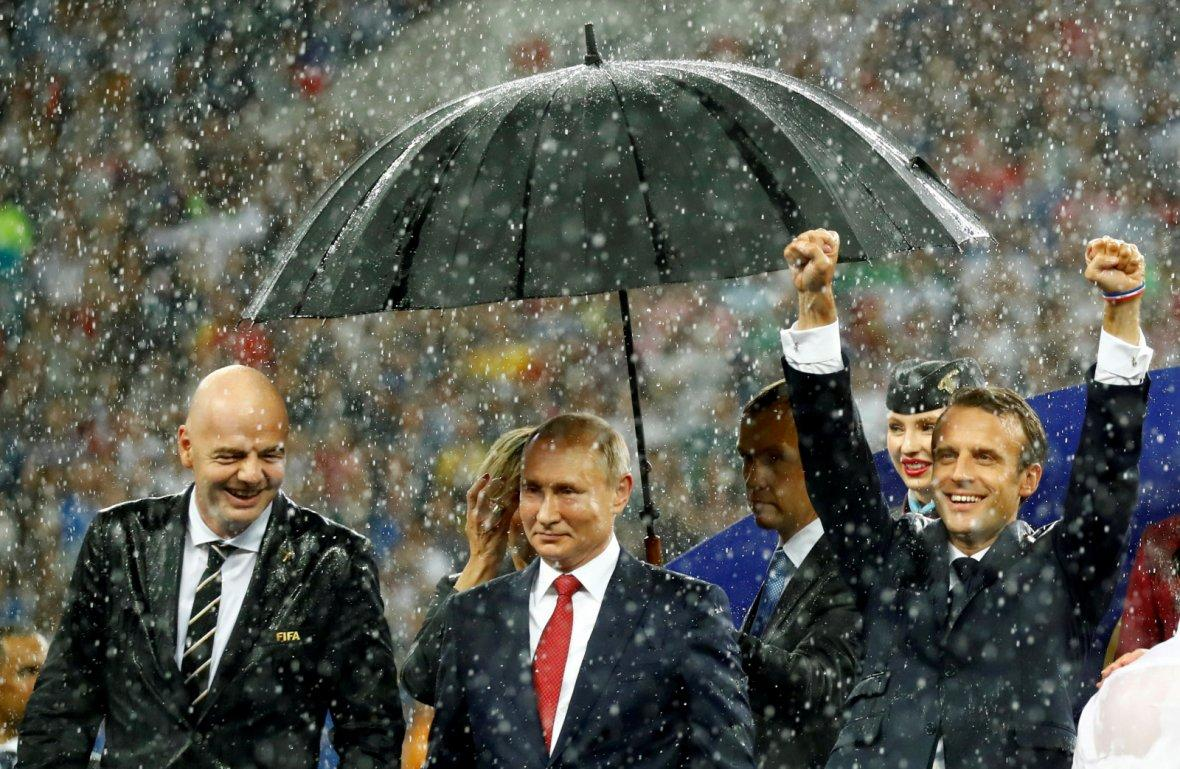 FIFA president Gianni Infantino, President of Russia Vladimir Putin and President of France Emmanuel Macron during the presentation