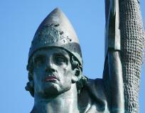 Statue of Viking Ingolfur Arnarson