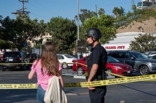 Los Angeles store hostage