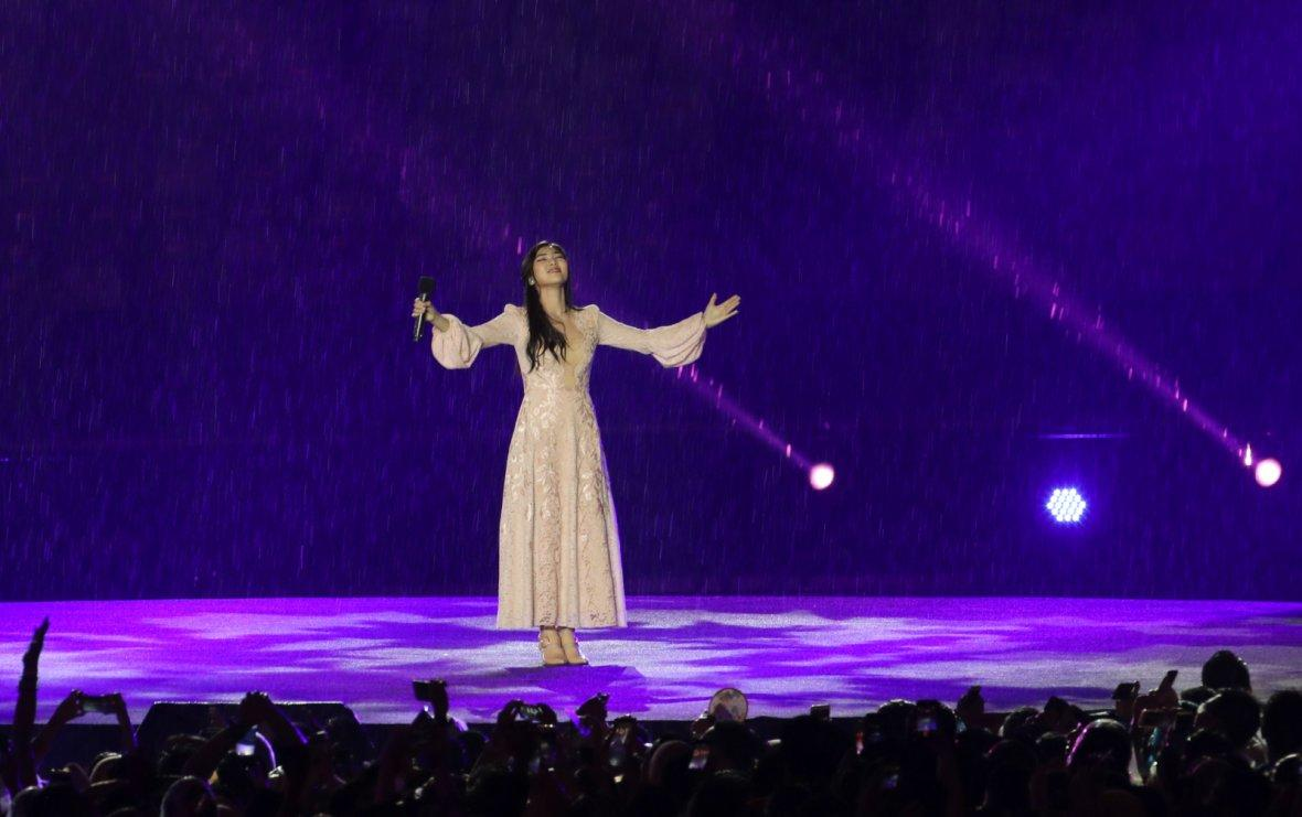 2018 Asian Games - Closing Ceremony - GBK Main Stadium - Jakarta, Indonesia - September 2, 2018 - Isyana Saraswati performs during the Closing Ceremony